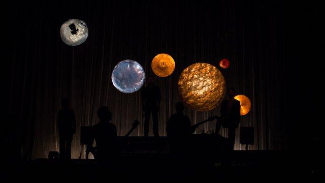 Jaurès Planètes et contre jour - Thierry Laroche