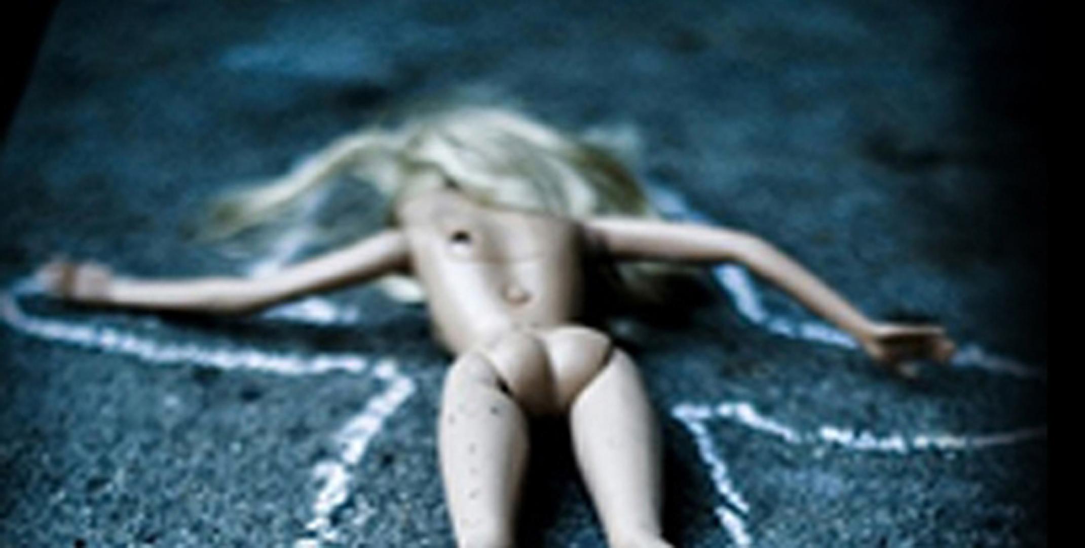 dead_barbie_coupe_300dpi