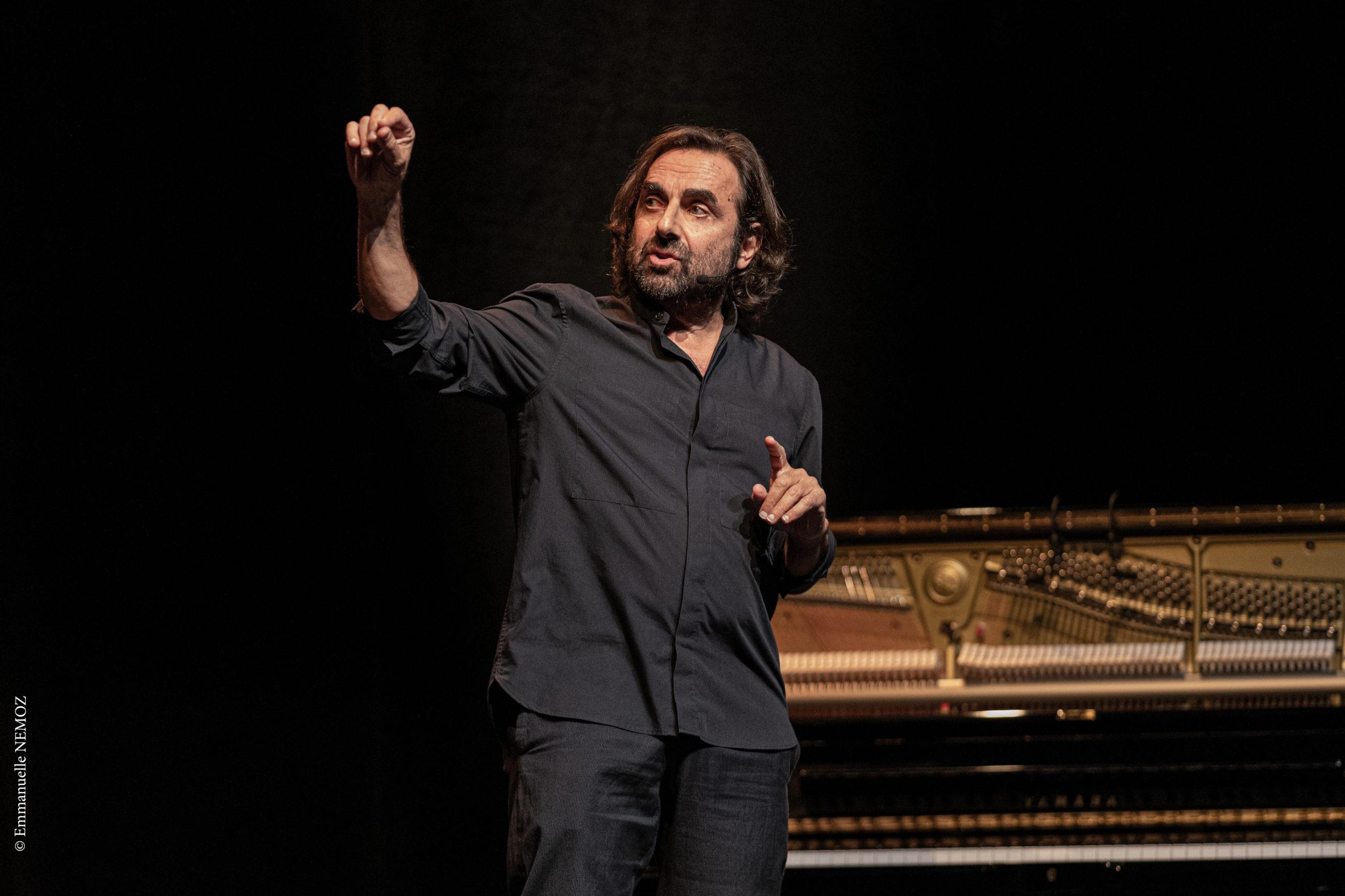 André Manoukian, Le Chant du Périnée @ Théâtre de l'Oeuvre, Paris