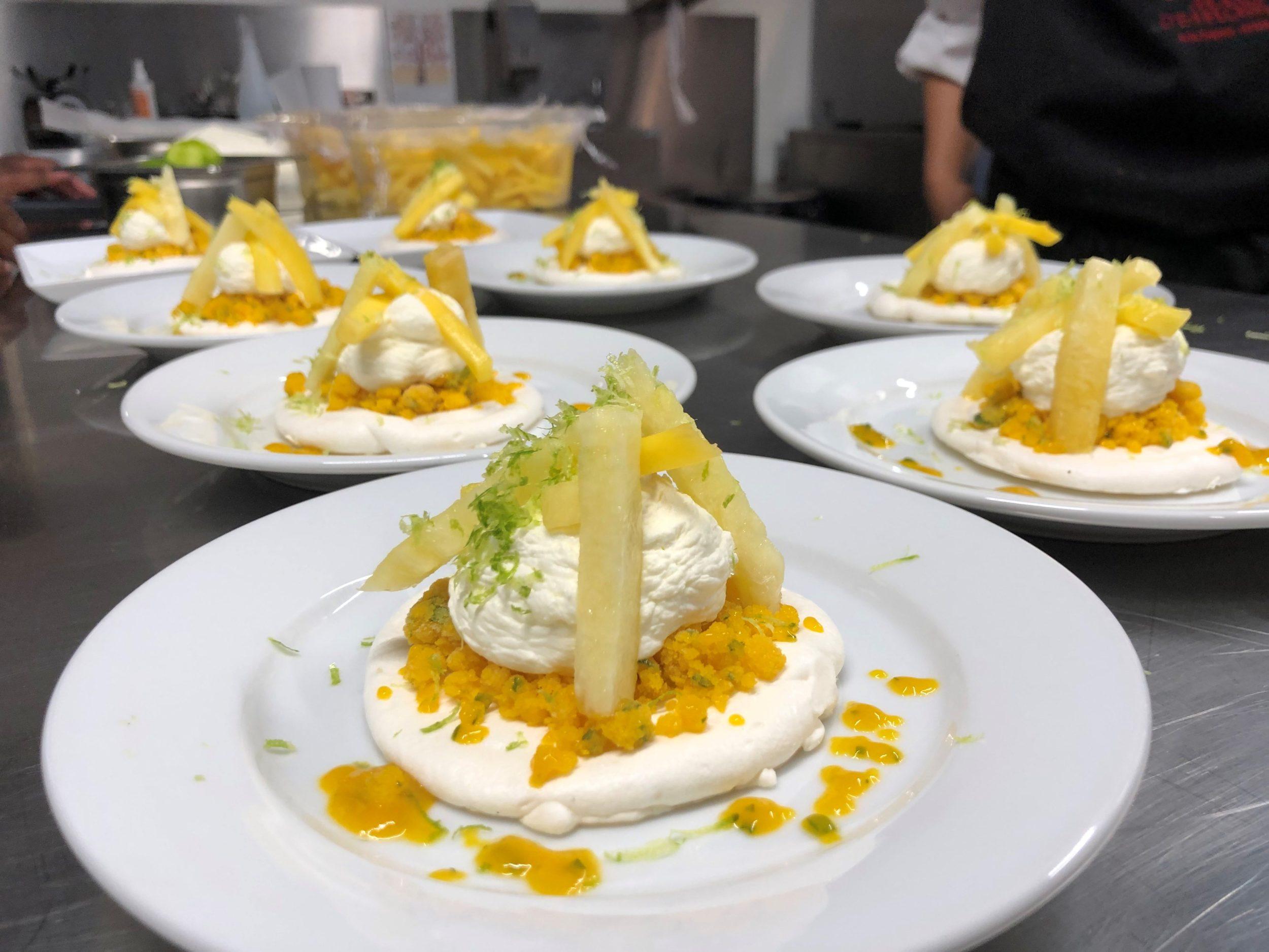 Cuisine Mode d'emplois -Pavlova aux fruits exotiques
